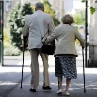 Comment réduire les chutes chez les personnes de plus de 65 ans?